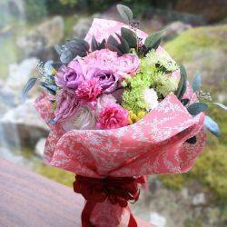 『シンフォニー / 2 パリスピンク』で花束ラッピング☆