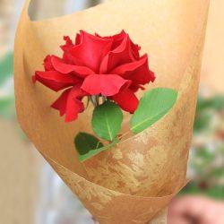 『クロエ』ゴールドでお祝いの花束を。